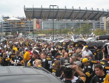 How to Tailgate at an NFL Game