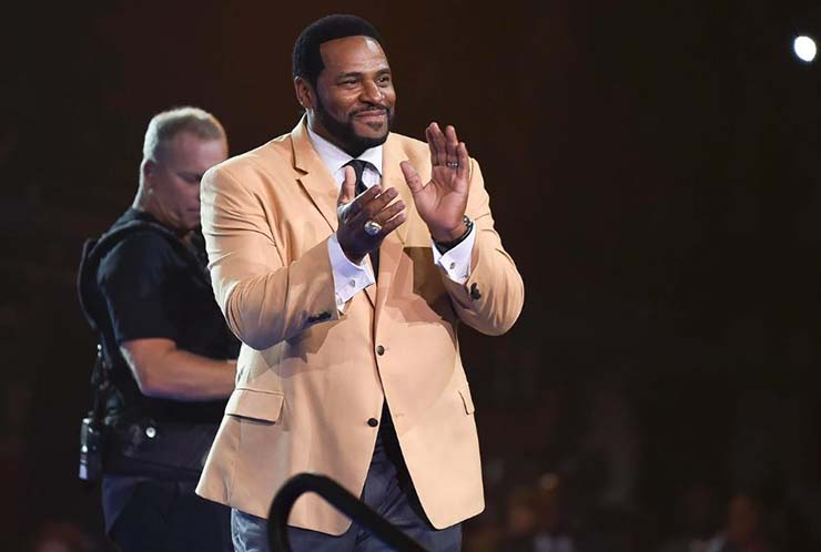 Steelers Jerome Bettis Received His Hall of Fame Gold Jacket