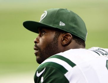 Steelers Sign Michael Vick as Backup
