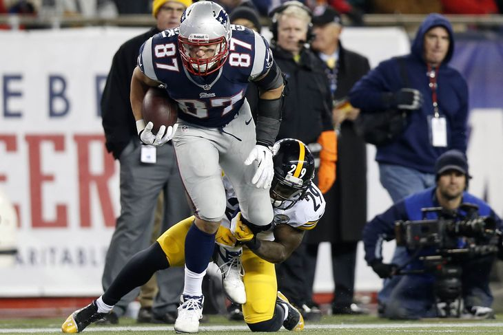 Steelers Think the Way to Slow Down Rob Gronkowski is to Jam Him