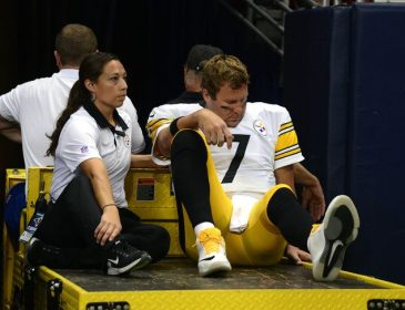 Report: Ben Roethlisberger to Miss at Least Four Weeks with Knee Injury