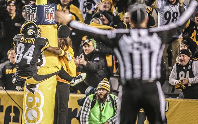 Steelers Destroy the Colts 45-10