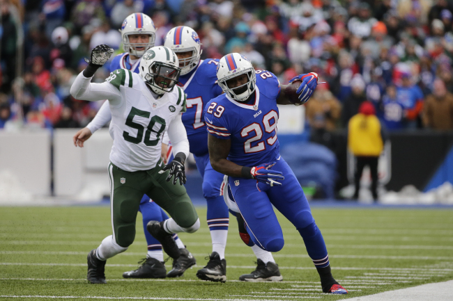 Vince Williams Rewards Brother & Bills RB Karlos for Beating Jets