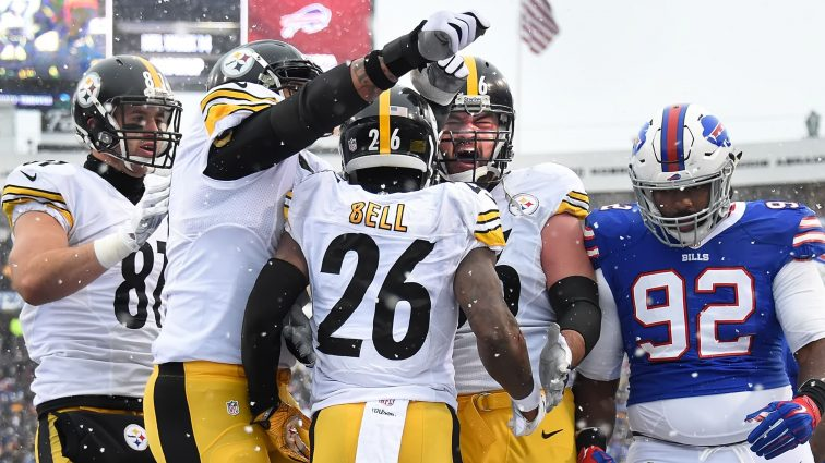 Le'Veon Bell's Record Setting Day Leads Steelers to 27-20 Win Over Bills