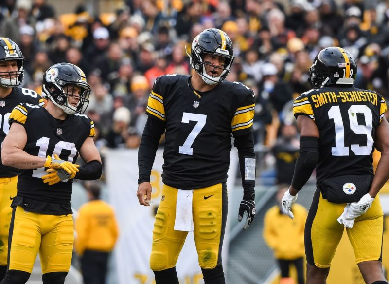 Predicting Steelers 2019 Starting Lineup with Grades Pt. 1 – The Offense